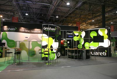 using pop up and modular exhibition stands together